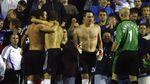 Pele Hingga Dani Alves: Kiper Dadakan dari Masa ke Masa