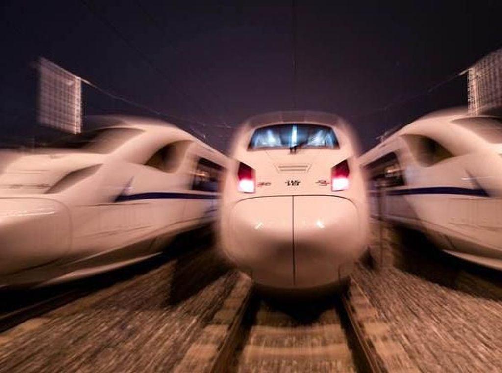 Satu Lagi Kereta Cepat di China Beroperasi, RI Kapan?