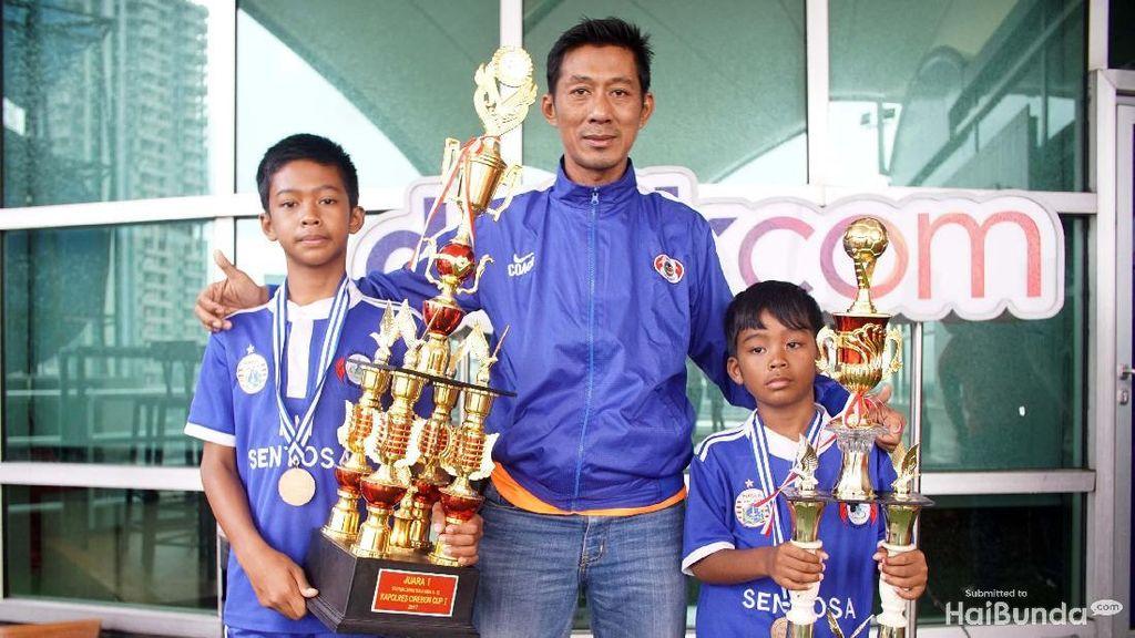 Jadi Pelatih Sepakbola untuk Anak Sendiri Itu Bukan Hal Mudah Lho