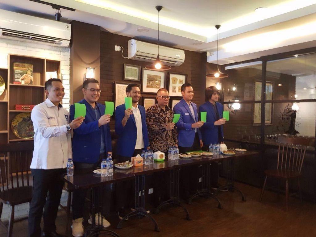 Ramai Kartu Kuning, Generasi Muda PAN Beri Kartu Hijau untuk Jokowi