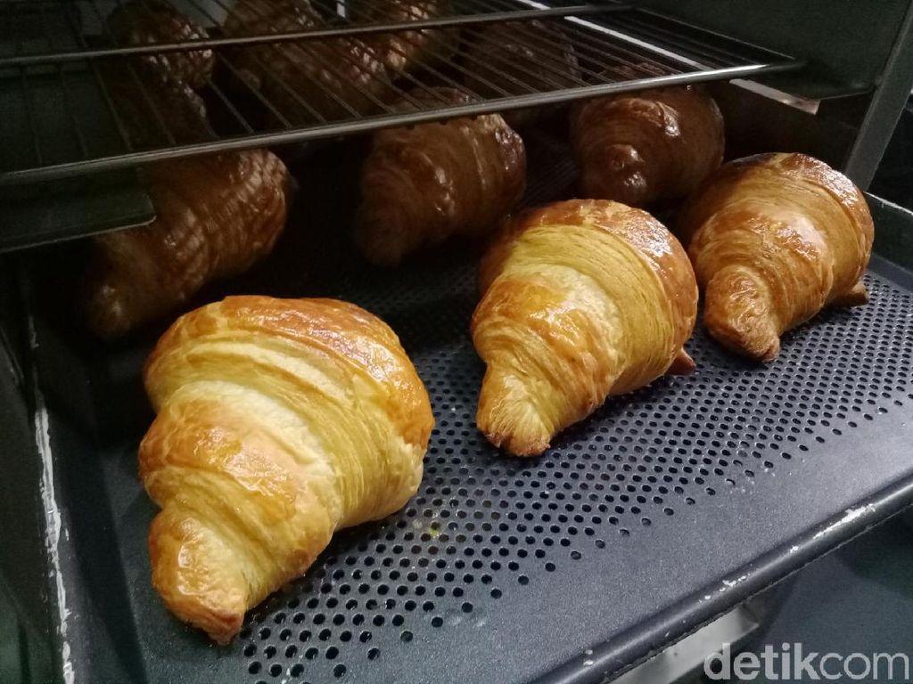 Begini Proses Pembuatan Croissant Enak di Kafe Kekinian