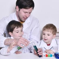 Eksperimen Sains Bisa Jadi Kegiatan Menyenangkan Buat Anak Lho