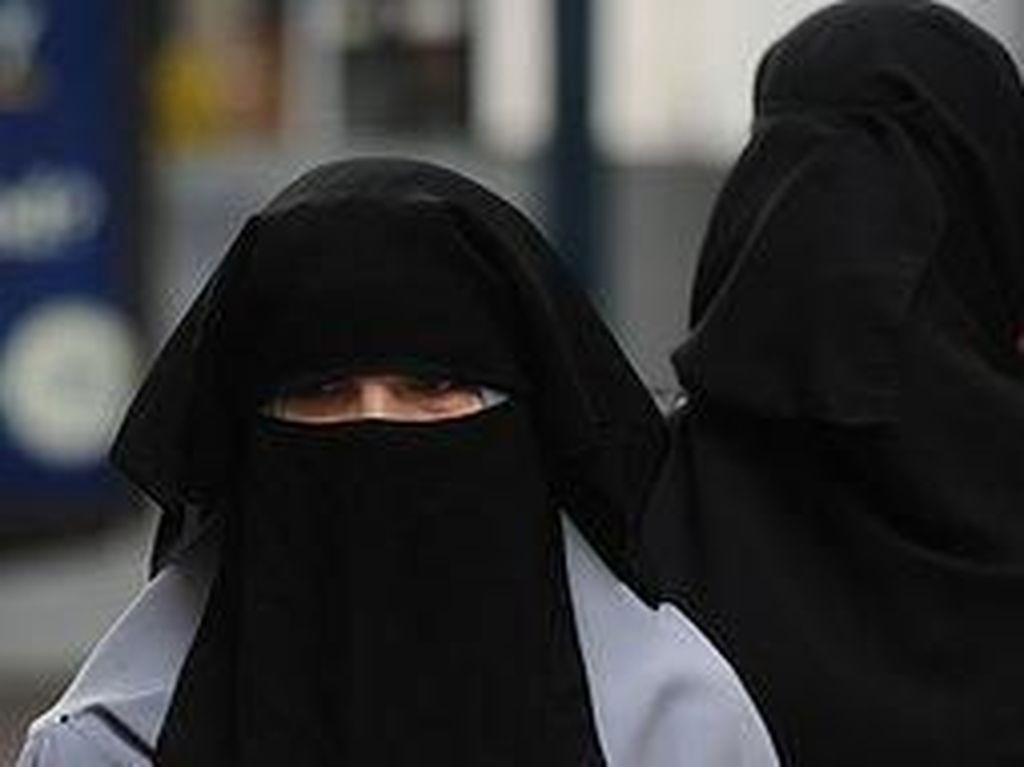 Pakai Niqab, Hakim Larang Istri Terdakwa Hadiri Sidang