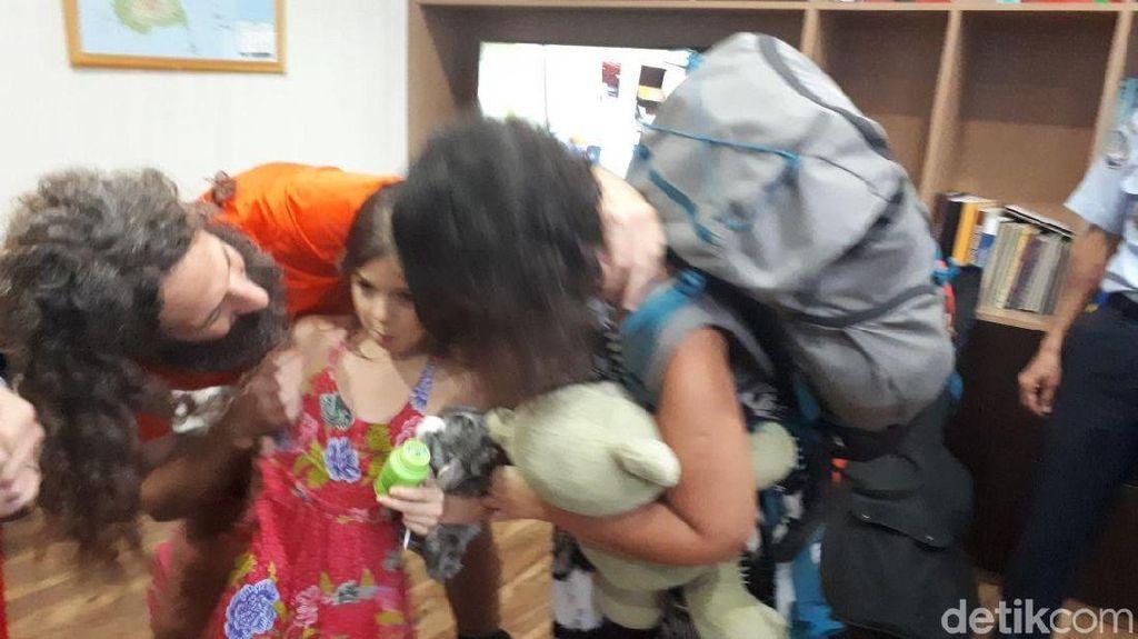 Polri: Butuh 3 Jam Lebih Pisahkan Alum Bocah Argentina dan Ayahnya