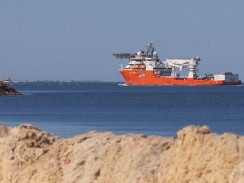 Kapal Pencari Pesawat MH370 Diam-Diam Bersandar di Perth