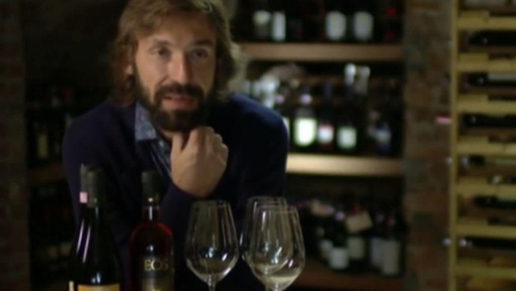 Hobi Unik Pesepakbola Top: Bikin Wine, Nyanyi Rap, Juga Berburu