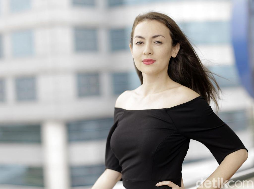 Trauma, Rianti Cartwright Ogah Makan Kecap Asin
