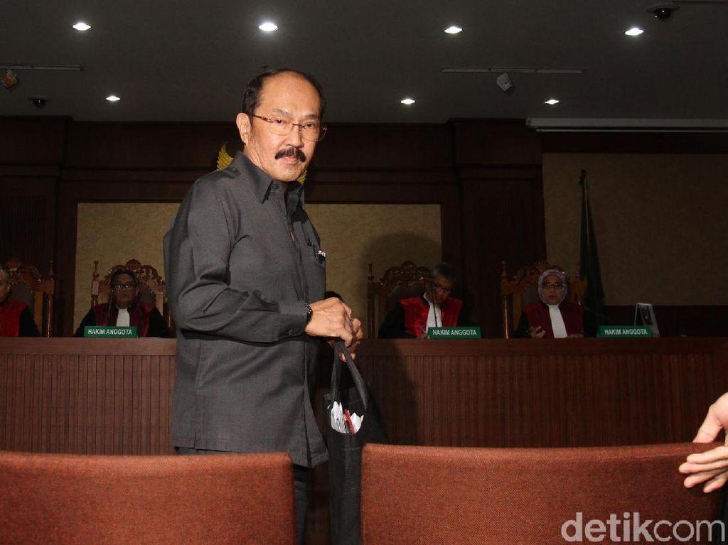 Fredrich Yunadi Hadapi Dakwaan