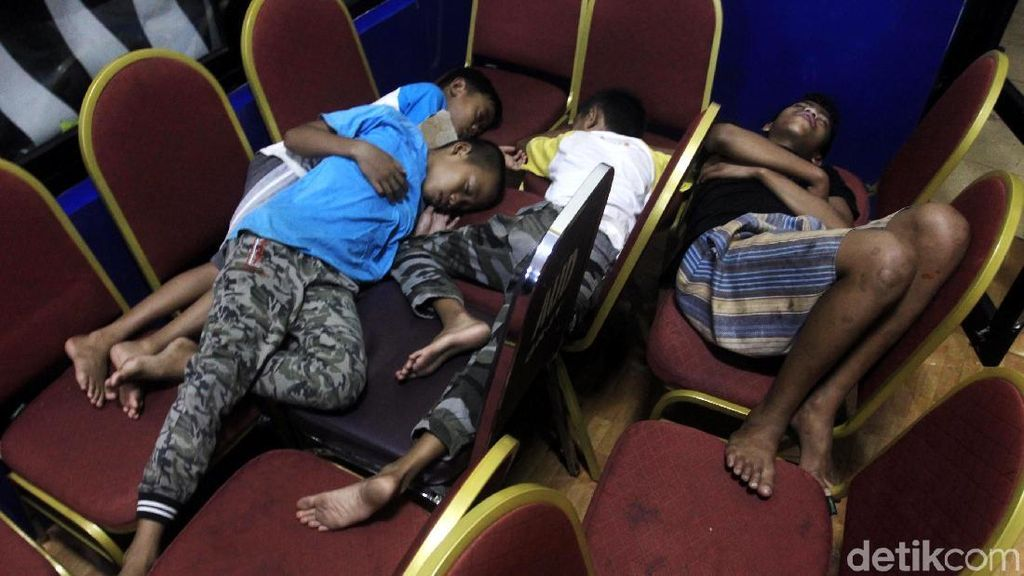 200 Orang Mengungsi di GOR Otista
