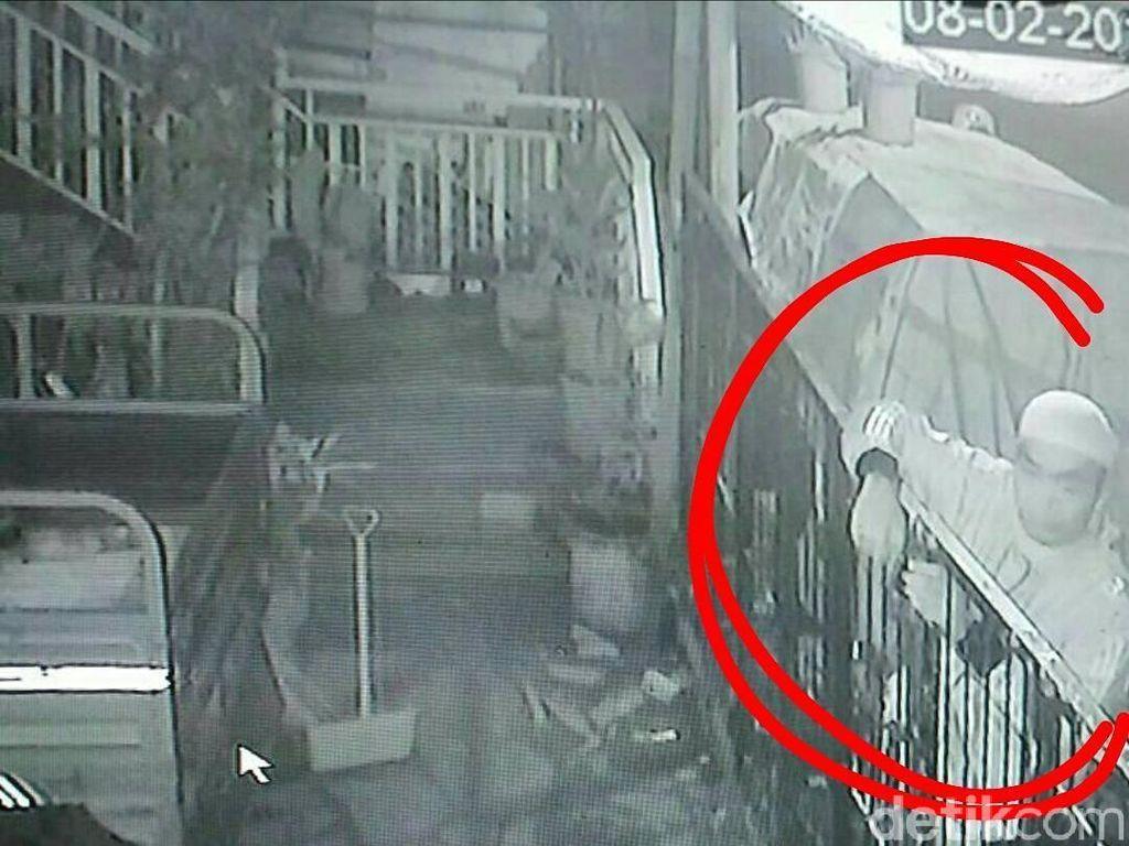 Kawanan Pencuri Gasak Motor di Bandung Terekam CCTV