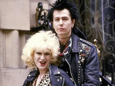 Gary juga sebelumnya pernah berperan sebagai tokoh Sid Vicious (bassist Sex Pistol) dalam film Sid & Nancy. (Dok. Samuel Goldwyn)
