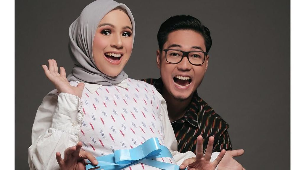 Inspirasi Foto Hamil Ala Artis Berhijab, Dari Nycta Gina Hingga Siti Nurhaliza