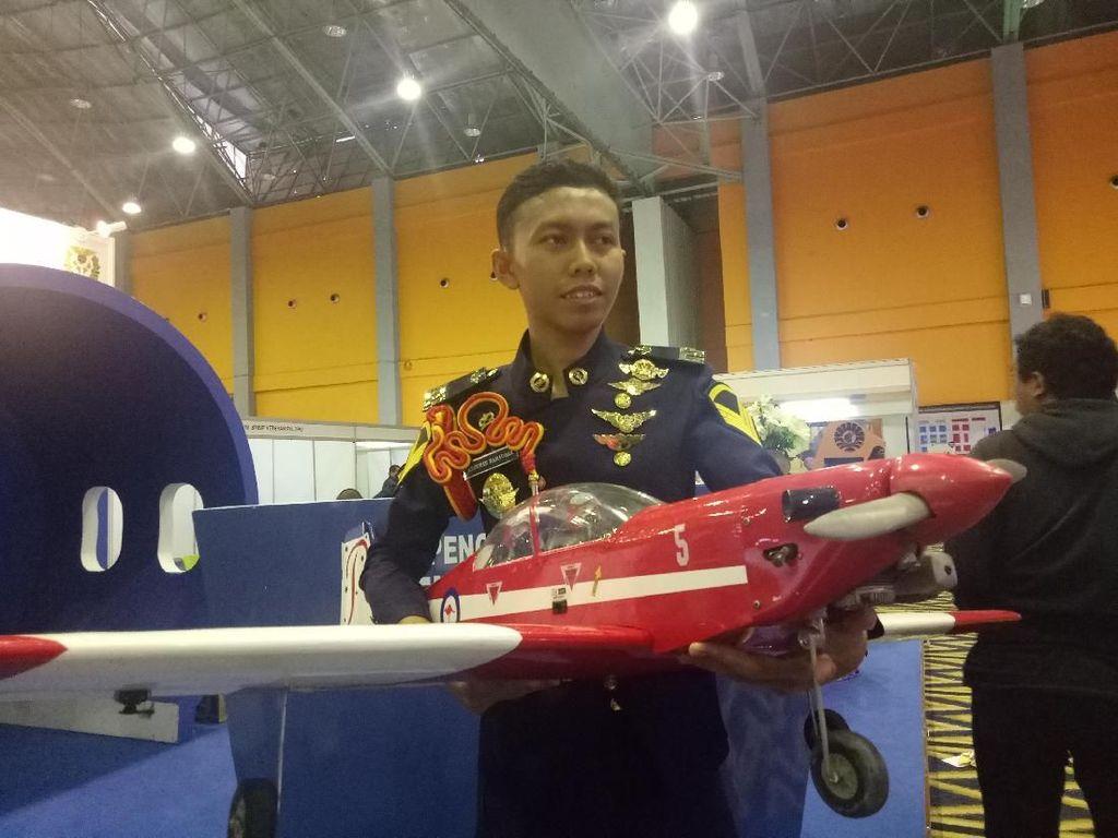Mahasiswa Makassar Bikin Pesawat Tanpa Awak Rp 8 Jutaan/Unit