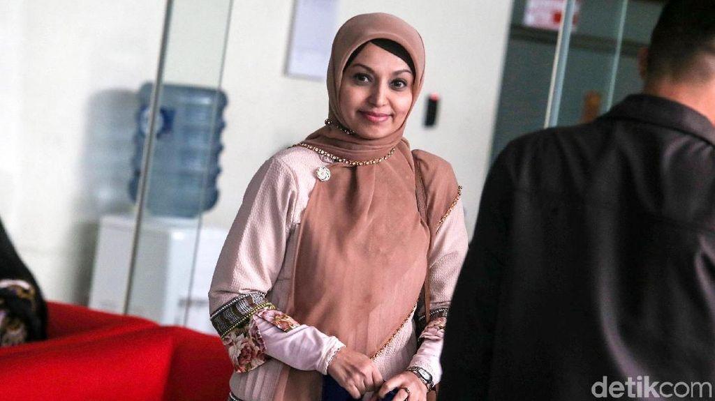 Senyum Manis dr Nadia Usai Diperiksa KPK