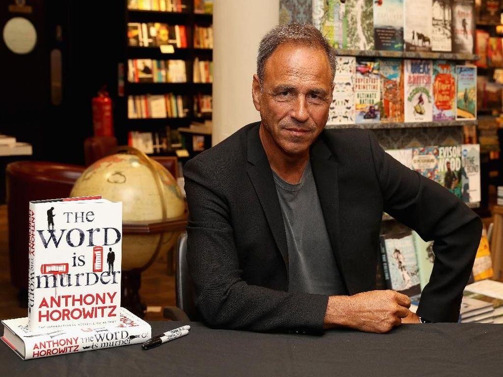 Novel James Bond Forever and a Day untuk Pembaca Generasi Milenial