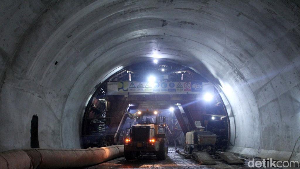 Foto: Tembus Bukit, Begini Terowongan Tol Cisumdawu Dibangun