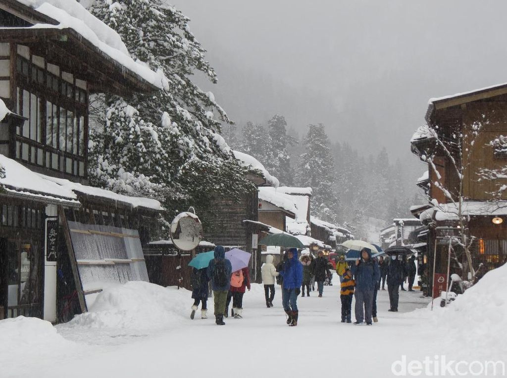 Foto: Shirakawa-go, Desa Bersalju Paling Terkenal di Jepang