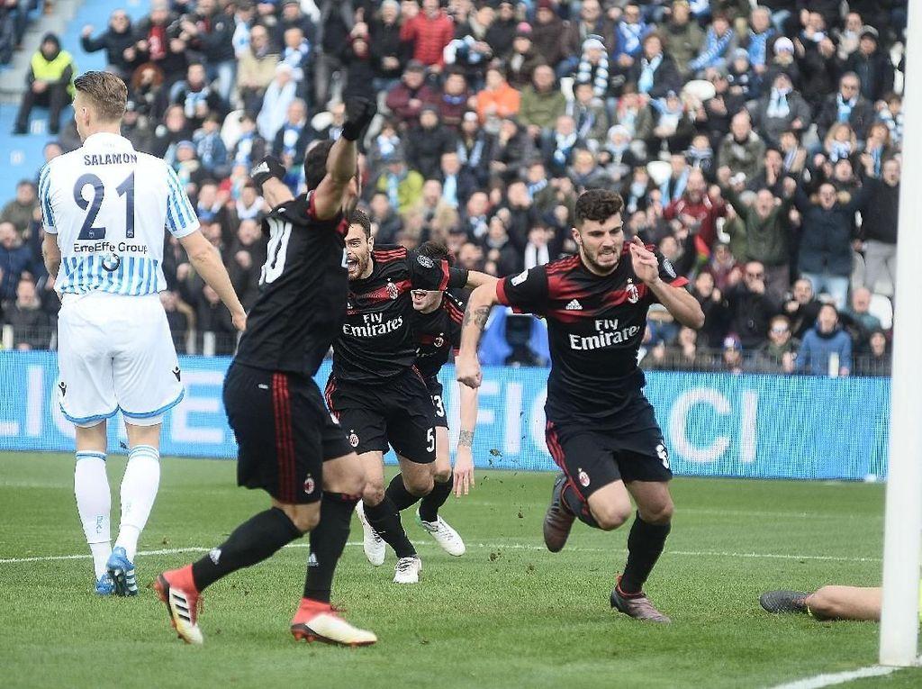 Cutrone Dua Gol, Milan Hantam SPAL 4-0