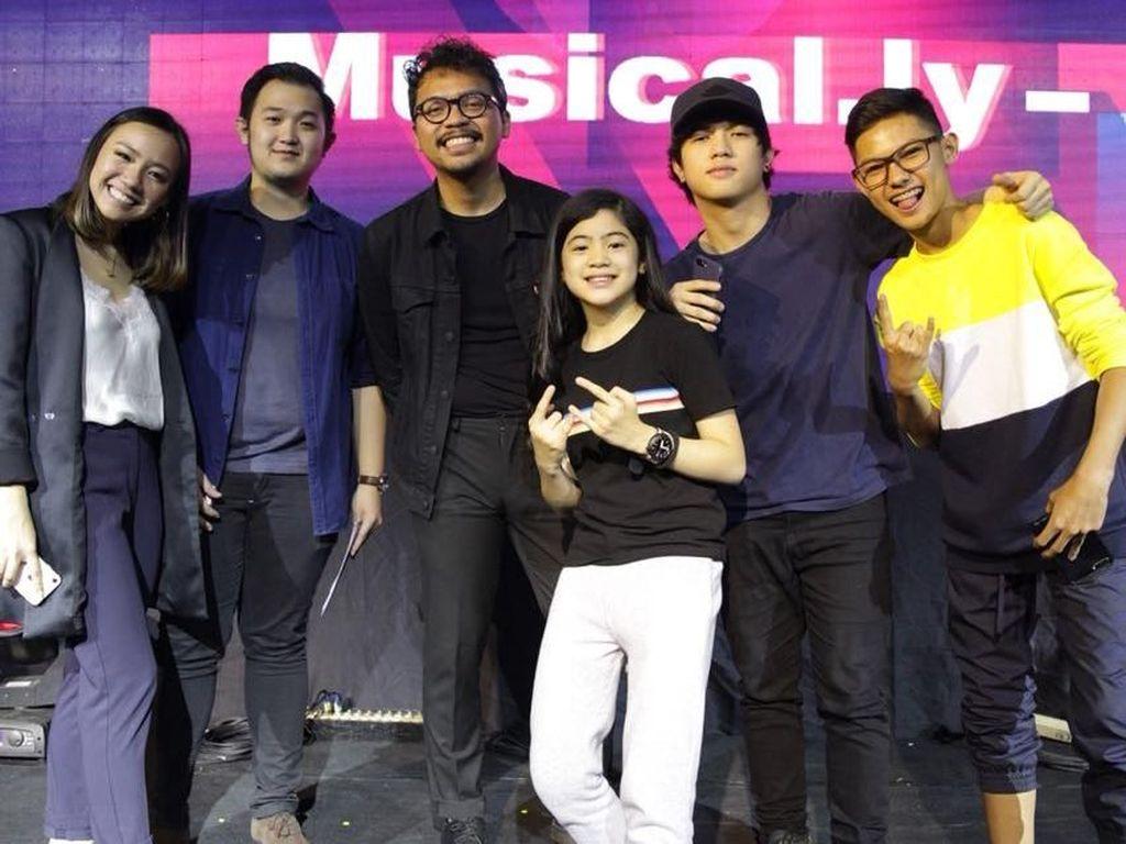 Youtubers Ranz & Niana Mampir ke Jakarta, Yuk Intip Aksinya