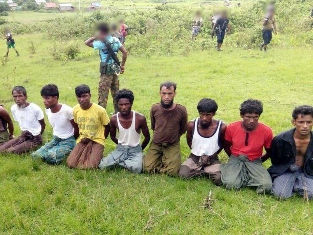 Kantongi Bukti Pembunuhan Rohingya, 2 Wartawan Ditahan di Myanmar