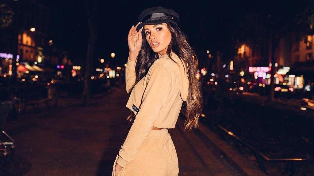 Foto: Liburannya Ruby Mae, Model Cantik dan Kekasih Dele Alli