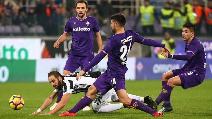 Laga ini digelar di Artemio Franchi, Sabtu (10/2/2018) dinihari WIB. Juventus tak diperkuat Paulo Dybala, Juan Cuadrado, dan Blaise Matuidi yang masih cedera. Foto: Alessandro Bianchi/Reuters
