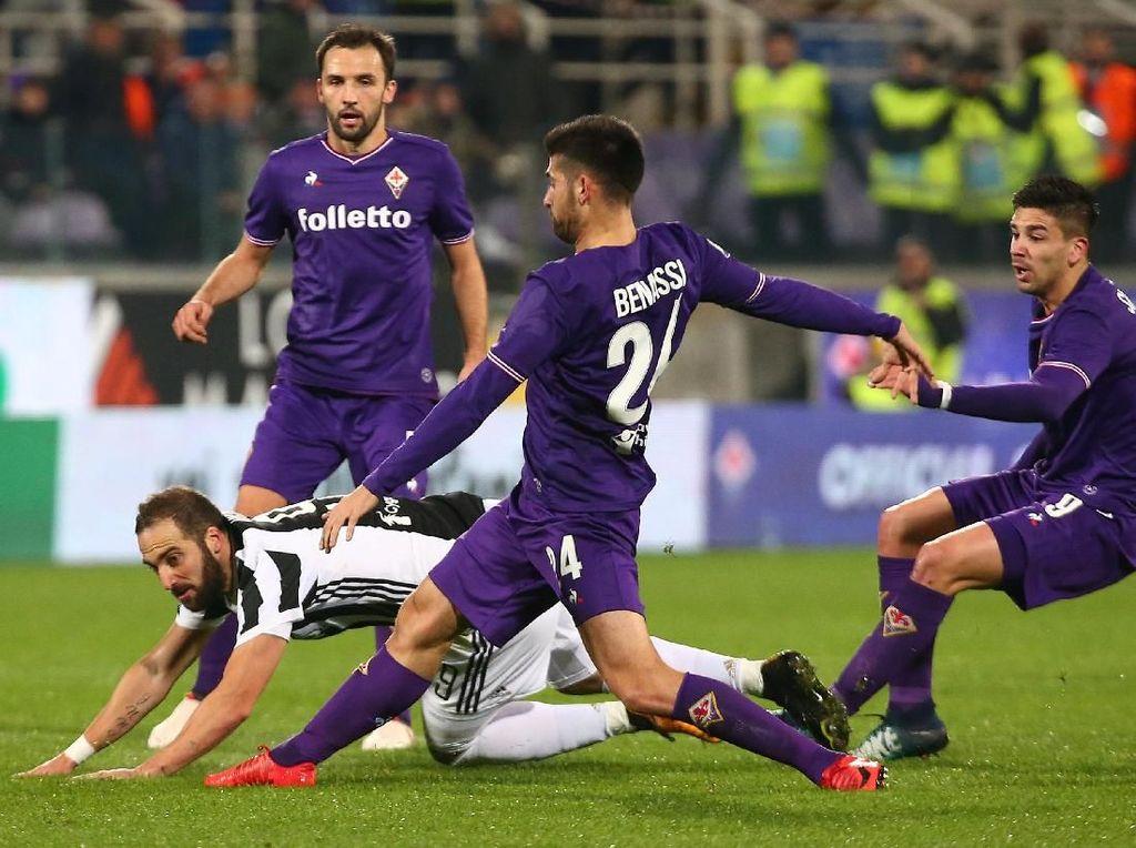 Foto: Bernardeschi-Higuain Menangkan Juventus