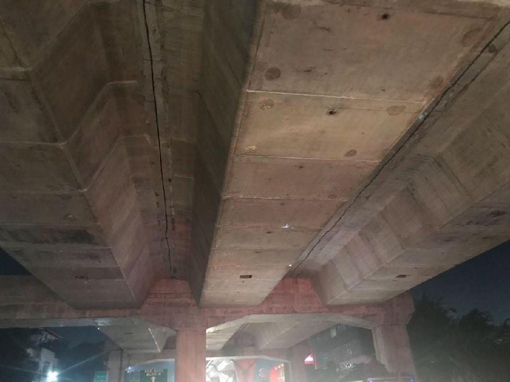 Potret Flyover Busway Tendean yang Memang Didesain Retak