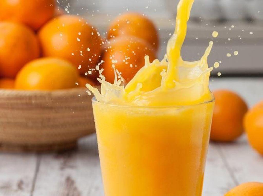 Slurpp! Minum Jus Jeruk Segar Tiap Hari Bisa Bikin Jantung Lebih Sehat