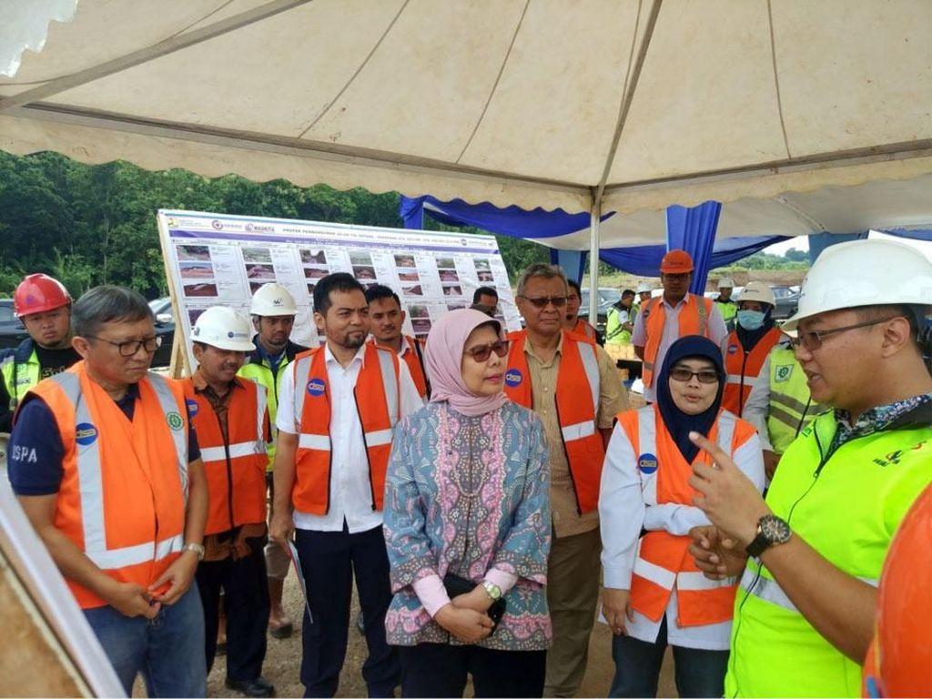 Direktur Utama Jasa Marga Pantau Proyek Jalan Tol Semarang-Batang