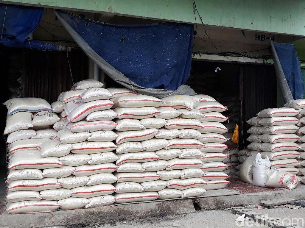 Pasokan Beras ke Cipinang Turun 5.000 Ton Gegara Banjir, Masih Aman?