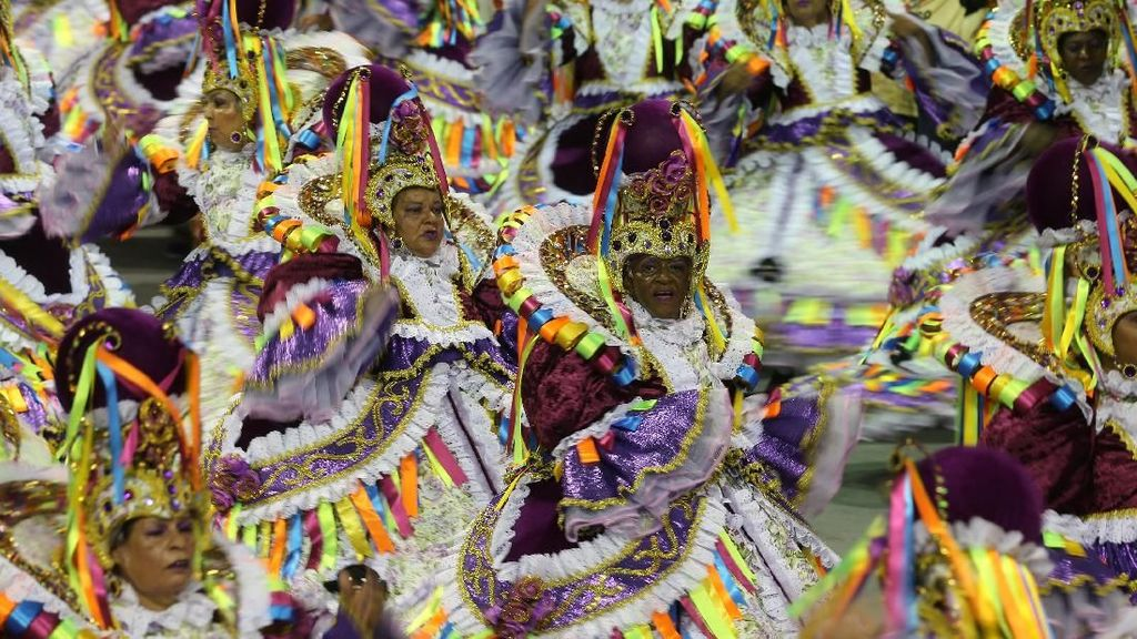 Warna-warni Meriahnya Rio Carnival di Brasil