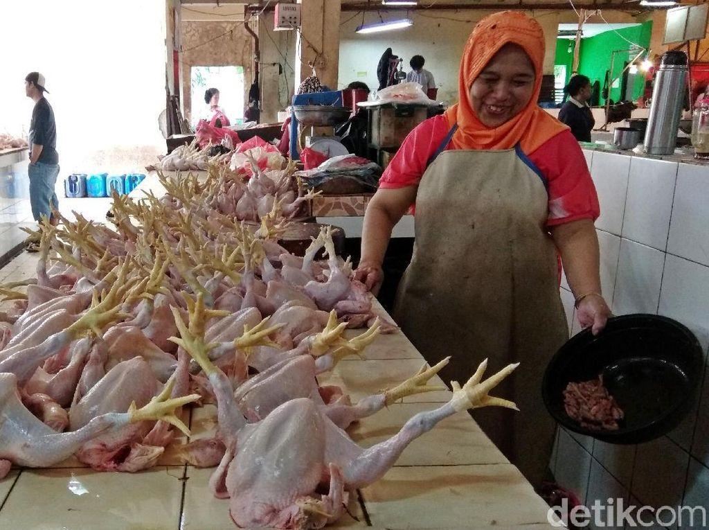 Jelang Lebaran, Harga Daging Ayam Tembus Rp 43.000/Kg
