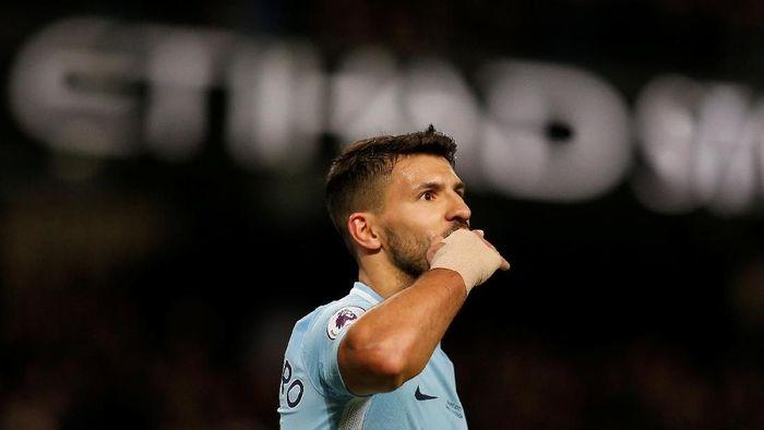 Dalam data Opta, penyerang Manchester City, Sergio Aguero, berada di peringkat ke-10 dengan total bikin 30 gol dari 39 laga. (Foto: Andrew Yates/Reuters)