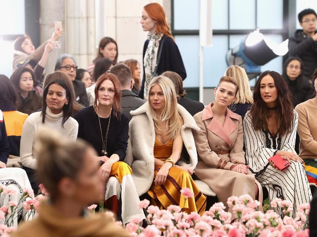 Foto: Artis Dunia di Front Row New York Fashion Week, Siapa Termodis?