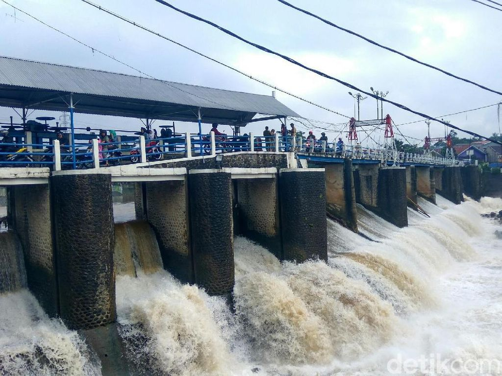 Hujan Deras Guyur Bogor, Bendung Katulampa Siaga III