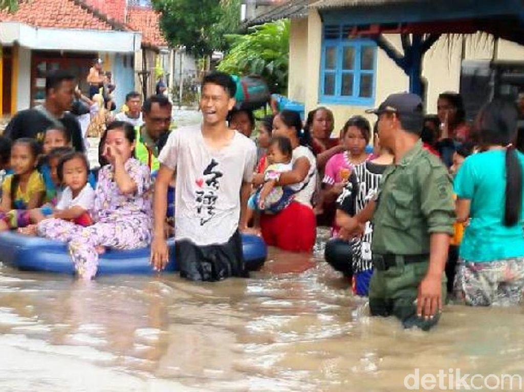 Banjir Rendam 3 Kecamatan di Brebes, 2 Warga Tewas
