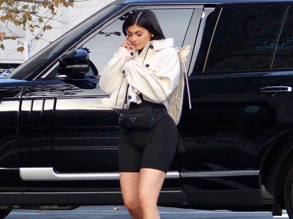 Seperti Kylie Jenner, Mereka Pun Dapat Hadiah Mewah Saat Lahiran
