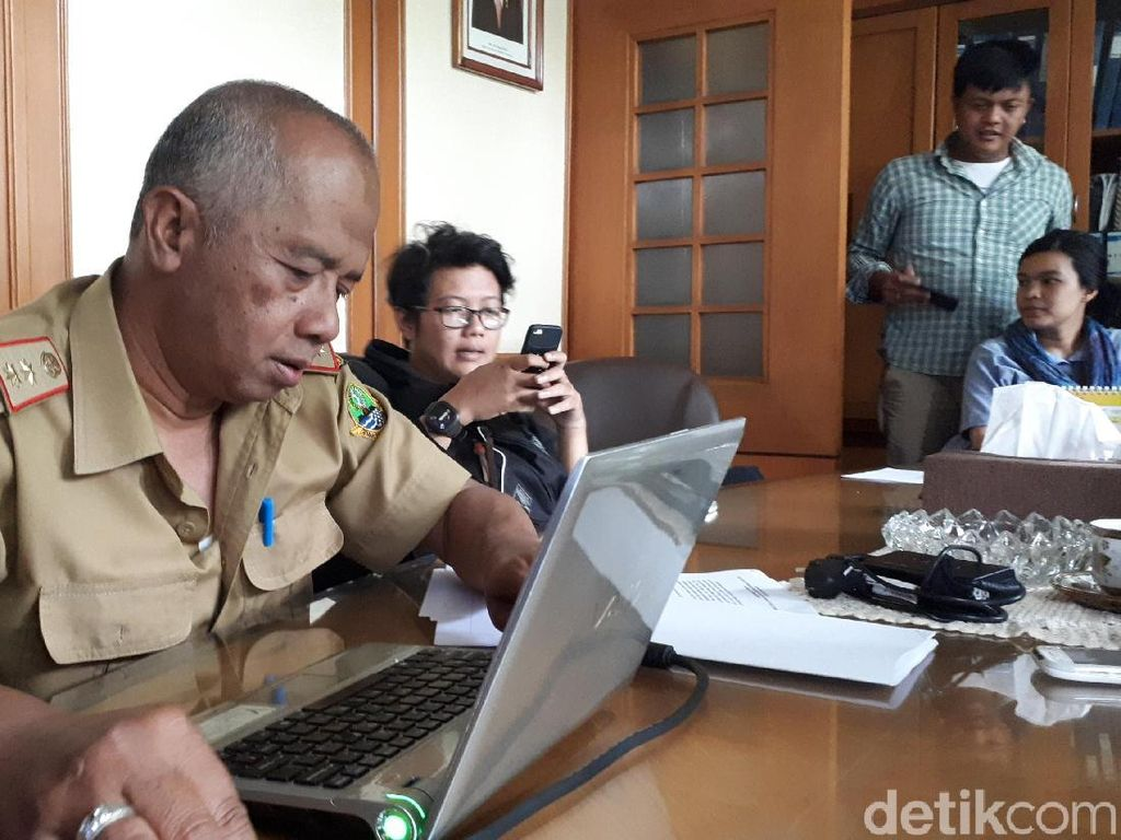 DLH Jabar: 13 Perusahaan di Bandung Buang Limbah ke Citarum