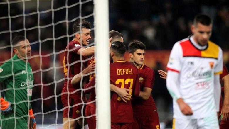 Tertinggal Lebih Dulu, Roma Taklukkan Benevento 5-2