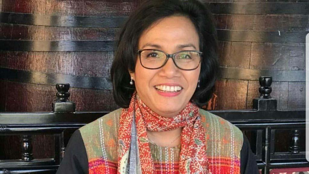 Senyum Semringah Sri Mulyani, Menteri Terbaik Dunia