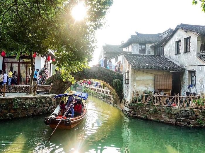 Libur Imlek ke China, Ada Kota Sungai Zhouzhuang yang Cantik