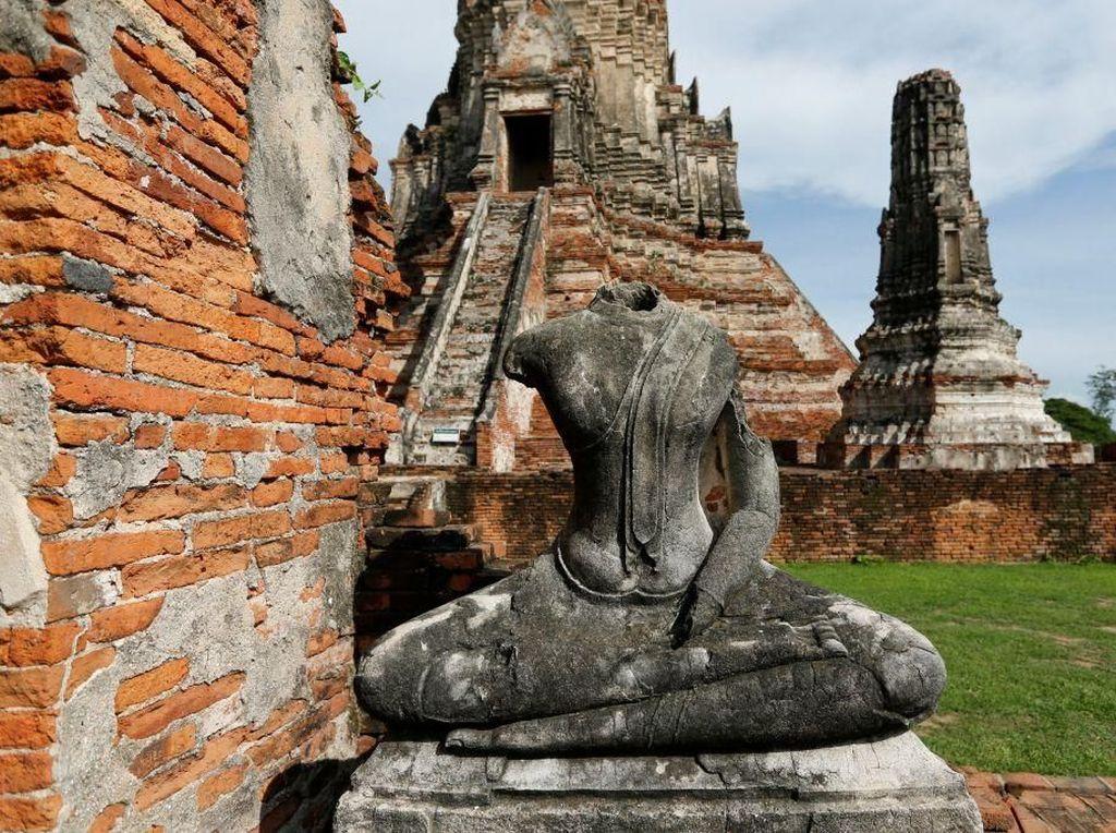Dihantui Setan, Turis Kembalikan Batu Candi Curian ke Thailand