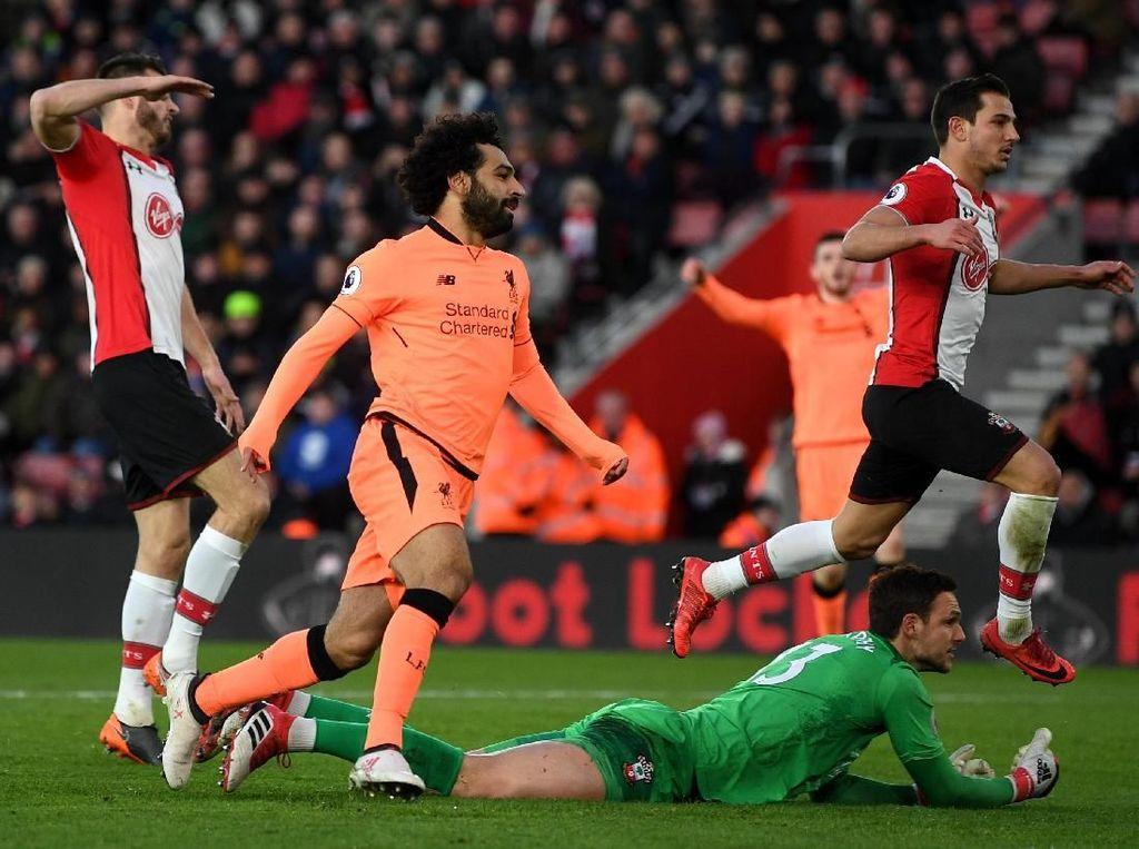 Firmino-Salah Bawa Liverpool Ungguli Southampton 2-0