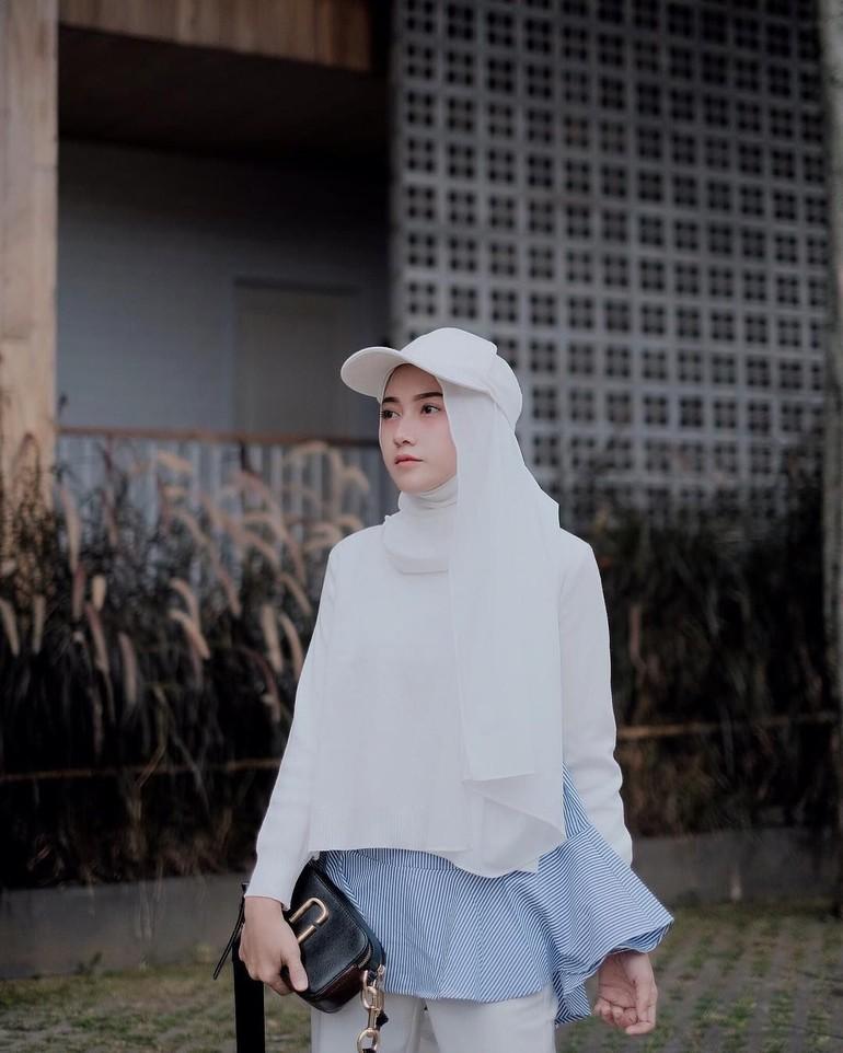 rekomendasi topi masa kini 2019 yang cocok di padukan dengan hijab sista nih