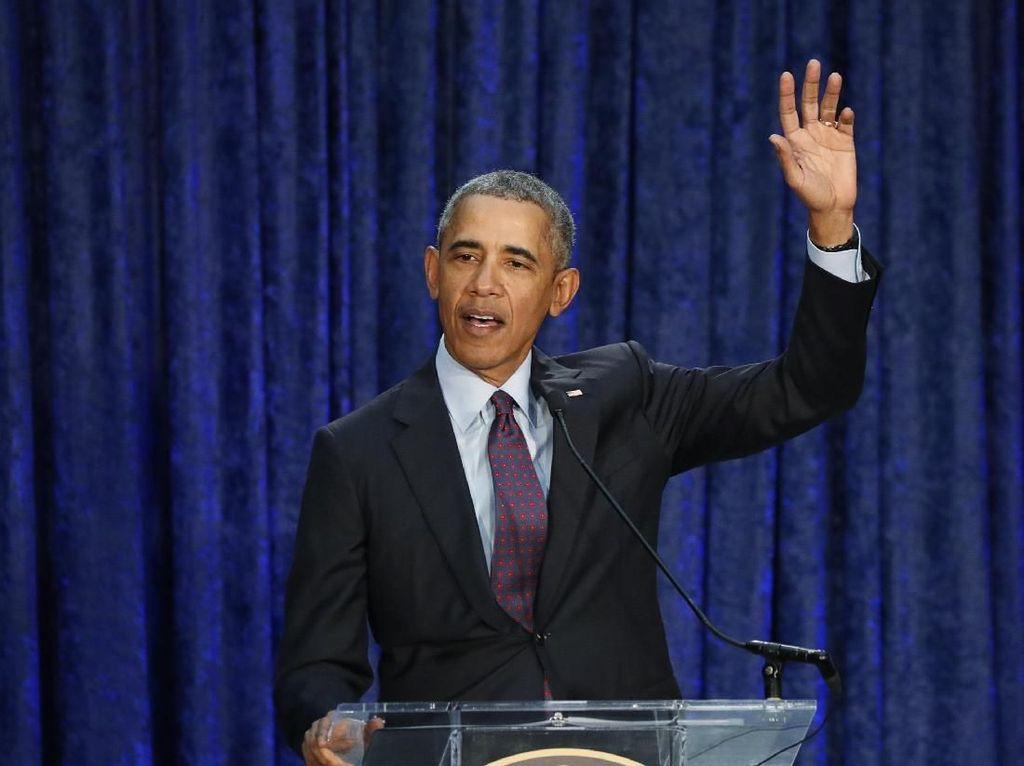 Barack Obama Debut dengan Lagu Remix One Last Time