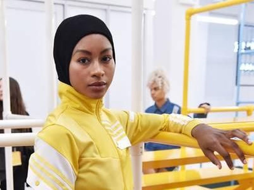 Adidas Tampilkan Model Berhijab di New York Fashion Week 2018