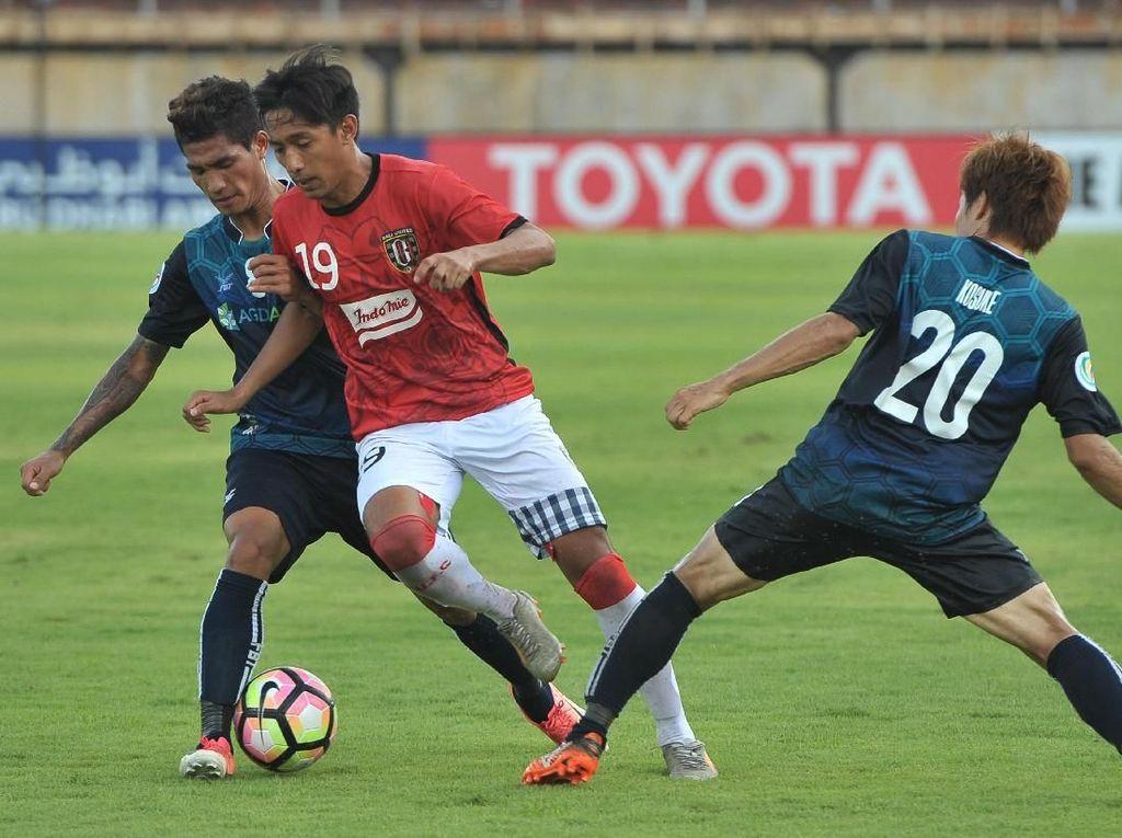 Samsul Arif Jadi Inspirasi Pemain Bali United Ini