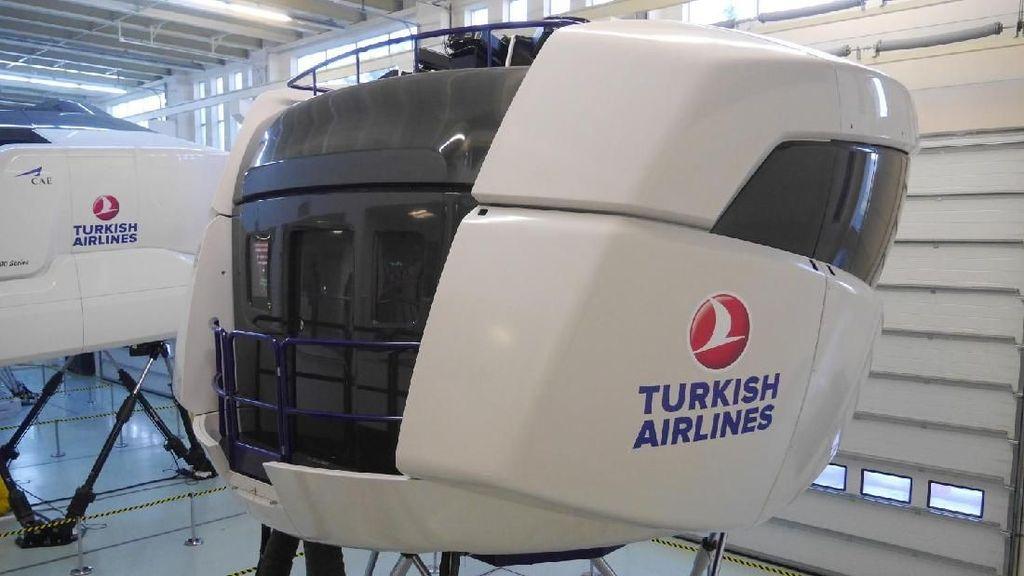Foto: Simulator Pesawat Keren di Istanbul