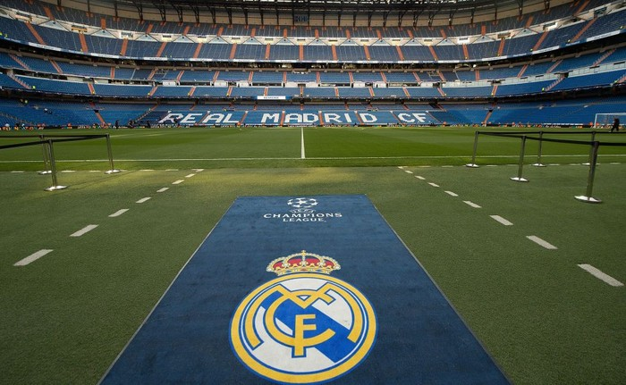 MADRID, SPAIN - SEPTEMBER 13:  General view inside the stadium the UEFA Champions League group H match between Real Madrid and APOEL Nikosia at Estadio Santiago Bernabeu on September 13, 2017 in Madrid, Spain.  (Photo by Denis Doyle/Getty Images)
